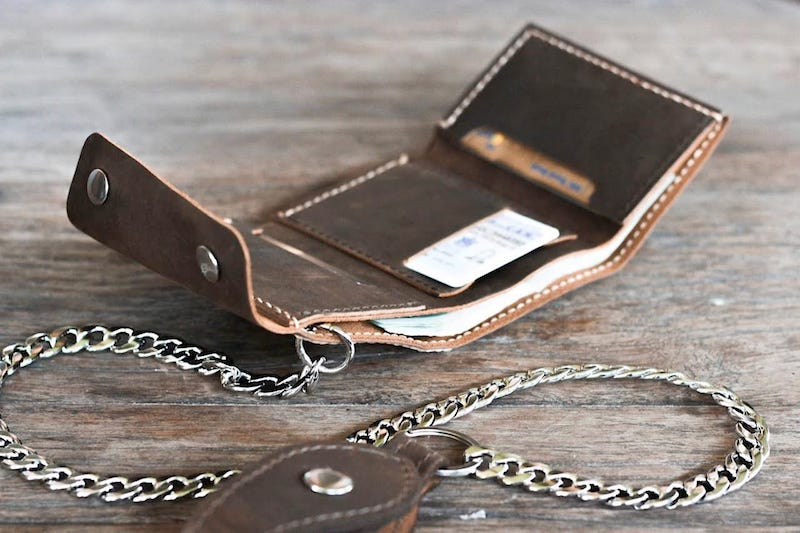 Leather Trifold Chain Wallet 5