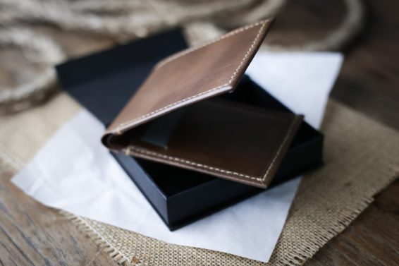 super slim bifold wallet