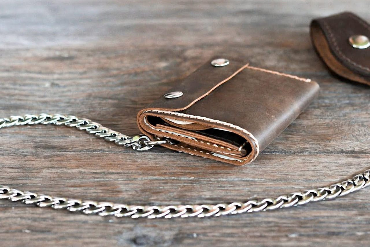 mens trifold wallet with chain