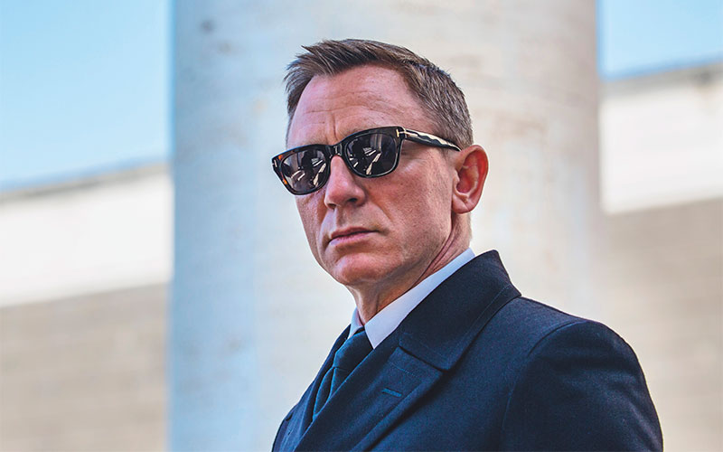 Tom Ford announced that James Bond (Daniel Craig) wears Tom Ford Snowdon FT0237 sunglasses in SPECTRE