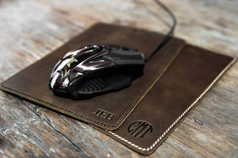 leather mouse pad with gaming mouse